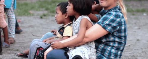 Helferin in Nepal